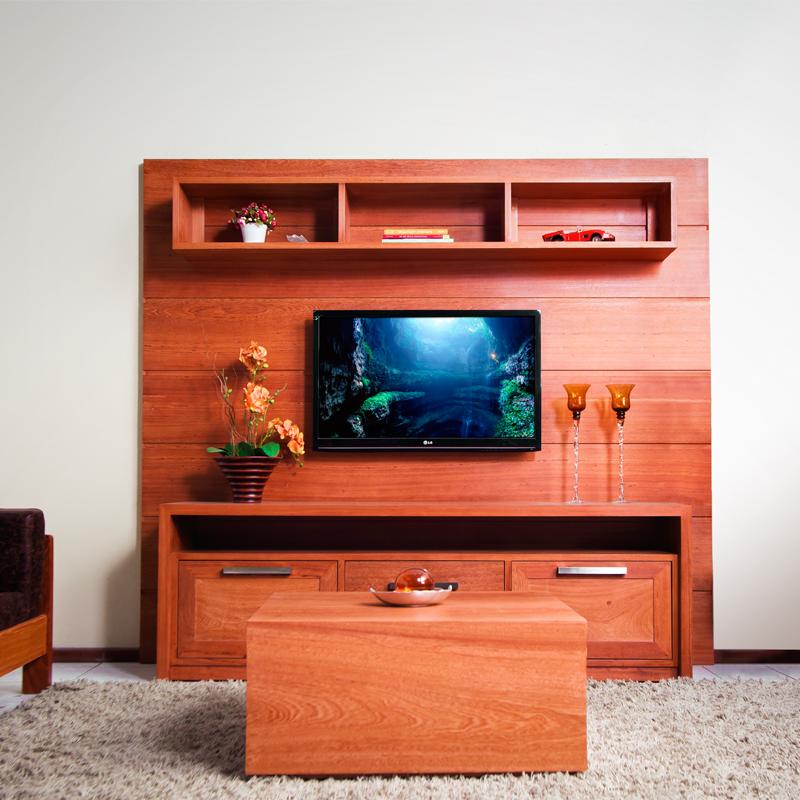 Os móveis de madeira angelim dão o requinte que a sua sala merece